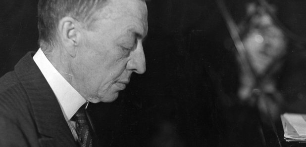 Rachmaninov playing piano