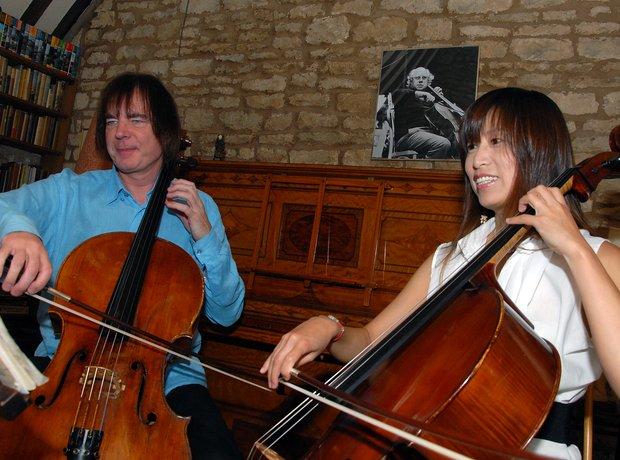 Julian Lloyd Webber cellist Jiaxin