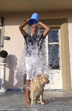 Andrea Bocelli and Domingo ice bucket challenge