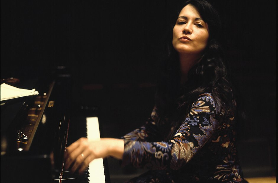 Martha Argerich: 11 stunning photos of the great pianist ...