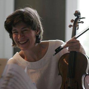 Violist Kim Kashkashian during a rehearsal in Malb